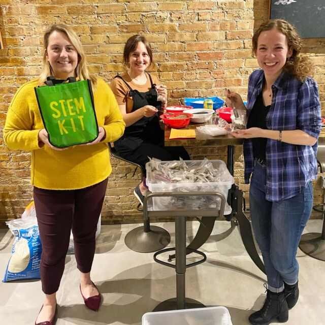 This week, we got together with our friends at @ibionewsbrief, @ibiostem and @abbottglobal and helped pack #STEM Kits for kids! Thank you to everyone who stopped by to volunteer; we had a great time! . . . . . #biotechnology #medtech #lifesciences #education #chicago #cglife